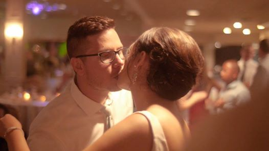 A special kiss from Josh and Amy's weddi...